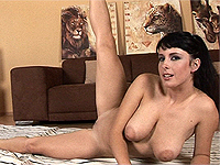 Large natural breast babe show her flexi legs.